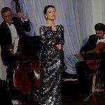 Justyna Reczeniedi w czarnej cekinowej sukni