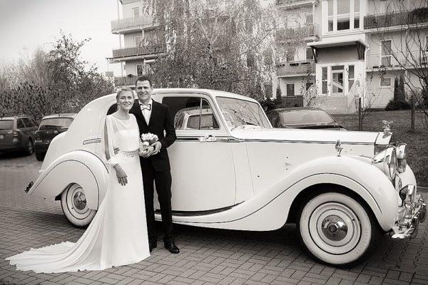 Suknia ślubna inspirowana latami 20-tymi
