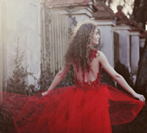 czerwona-suknia-tiulowa-koronkowa-atelier-kama-ostaszewska-2