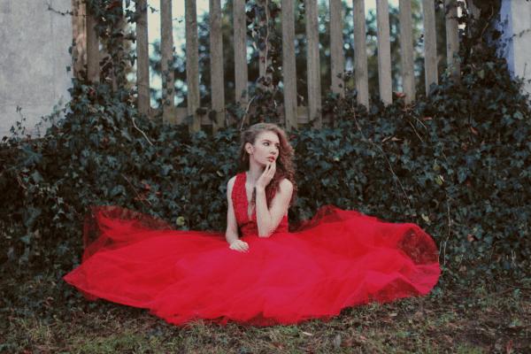 czerwona-suknia-tiulowa-koronkowa-atelier-kama-ostaszewska-3