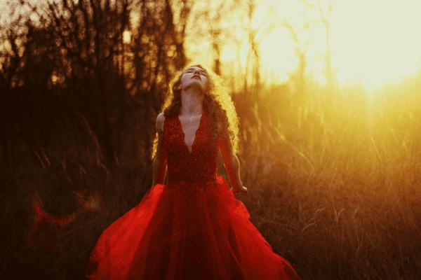 czerwona-suknia-tiulowa-koronkowa-atelier-kama-ostaszewska-8
