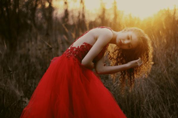 czerwona-suknia-tiulowa-koronkowa-atelier-kama-ostaszewska-9