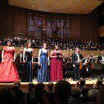 Anges Zwierko w trakcie Symfonii Tysiąclecia w sukni z Atelier Kamy Ostaszewskiej.