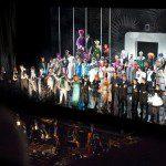 Bal w hotelu Savoy – wszyscy artyści na scenie