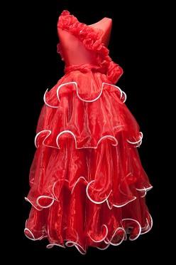 Czerwona hiszpańska suknia do tańca standardowego.