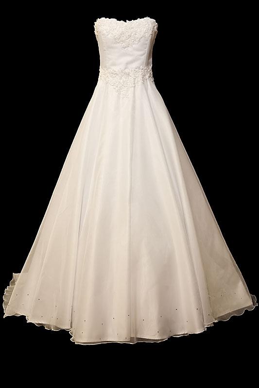 Długa suknia ślubna typu princeska z rozkloszowanym dołem, koronkowym gorsetem z dekoltem w serduszko, wiązanymi plecami i podpinanym trenem.