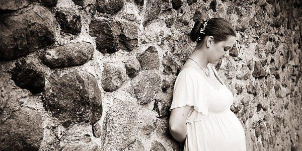 Suknie ślubne i wieczorowe dla pań w ciąży z przepięknym brzuszkiem