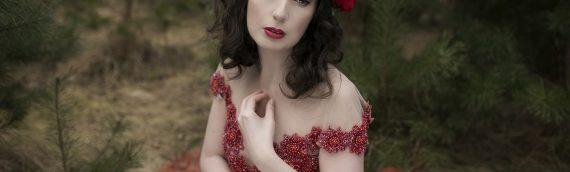 Czerwone szaleństwo koronkowe w beauNU Magazine – nowa sesja